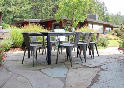 Flagstone patio in Bainbridge Island, WA